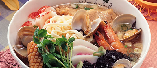 Bowl of foodservice Amoy Asian Lo Mein Attraction in a restaurant setting